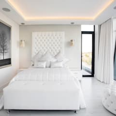 ULTRA MODERN RESIDENCE:  Bedroom by FRANCOIS MARAIS ARCHITECTS, Modern