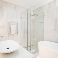 ULTRA MODERN RESIDENCE:  Bathroom by FRANCOIS MARAIS ARCHITECTS