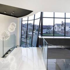 ULTRA MODERN RESIDENCE:  Corridor & hallway by FRANCOIS MARAIS ARCHITECTS
