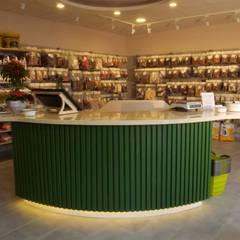 Oficinas y Tiendas de estilo  de Interiordesign - Susane Schreiber-Beckmann gestaltet Räume., Ecléctico Madera Acabado en madera