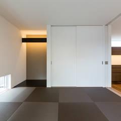 和室: 中村建築研究室 エヌラボ(n-lab)が手掛けた和室です。