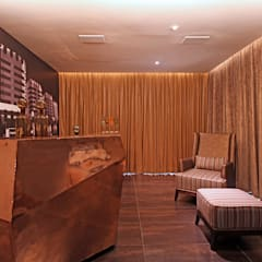 Contemporary Home design: classic Wine cellar by Design House