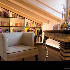 Bibliothek:  Multimedia-Raum von Wagner Möbel Manufaktur