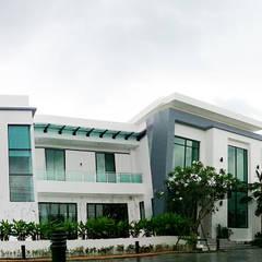 Casas de estilo  por บริษัท เค.แอล.คอนสตรัคชั่น แอนด์ ซัพพลาย จำกัด, Moderno