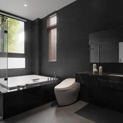 Four season house:  浴室 by 夏沐森山設計整合