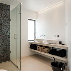 Bathroom by studioarte, Modern