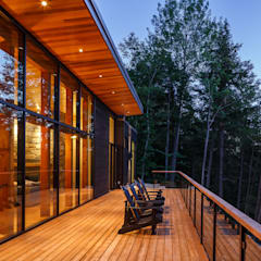 Lac St. Sixte Summer Residence:  Patios & Decks by Flynn Architect