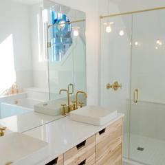 New Edinburgh Renovations:  Bathroom by Jane Thompson Architect,Scandinavian Quartz