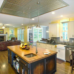 Shaker Heights:  Kitchen by New Leaf Home Design