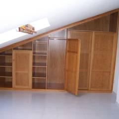 Muestra mueble anterior: Vestidores de estilo  de la alacena segoviana s.l