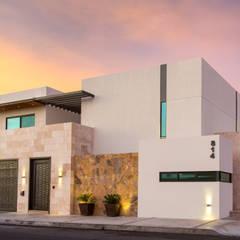 Casa GM: Casas de estilo  por Grupo Arsciniest