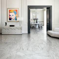 Gres porcellanato effetto marmo Melange Grigio - CA 7002: Soggiorno in stile  di ItalianGres