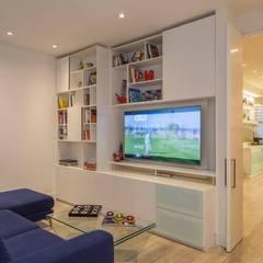 Salas multimedia de estilo moderno de Bloque B Arquitectos