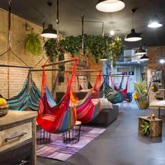Hammock, veganos colgados: Espacios comerciales de estilo  de Egue y Seta