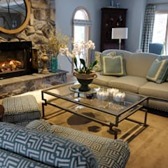 Brecksville Family Room:  Living room by Kay rasoletti Interior Design,