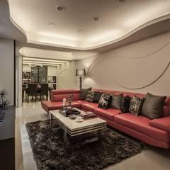 Wohnzimmer von Green Leaf Interior青葉室內設計, Modern