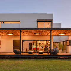 Houses by homify,