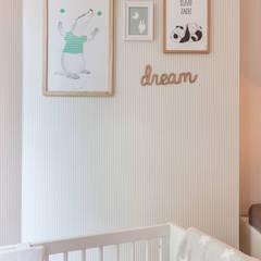Chambre d'enfant moderne par Aangenaam Interieuradvies Moderne