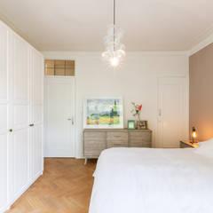Slaapkamer:  Slaapkamer door Aangenaam Interieuradvies