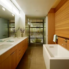 Stanford Residence: modern Bathroom by Aidlin Darling Design