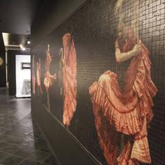 VEROMAR Luxury Marble Tiles & Mosaics – Veromar Mermer Showroom:  tarz Sergi Alanları