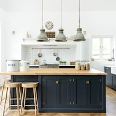 Cocinas de estilo  por deVOL Kitchens, Industrial
