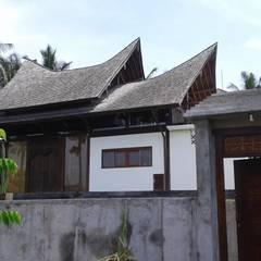 casa sostenible de madera.: Casas de estilo  de Ale debali study