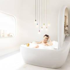 Organisch badkamer in energie-autarkisch villa, Almere: minimalistische Badkamer door OLA architecten