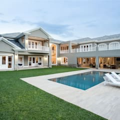 Modern Colonial: colonial Houses by FRANCOIS MARAIS ARCHITECTS