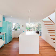 The Hambly House: minimalistic Kitchen by dpai architecture inc