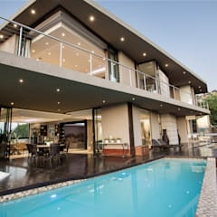 Home on a hill:  Pool by FRANCOIS MARAIS ARCHITECTS, Modern