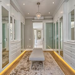 Dressing room by House Couture Interior Design Studio, Eclectic