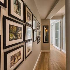 Saffraan Ave:  Corridor & hallway by House Couture Interior Design Studio