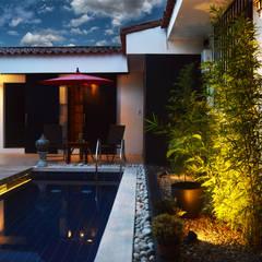 El Spa Oriental: Espacios comerciales de estilo  por Acinco estudio