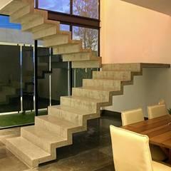 Industrial corridor, hallway & stairs by Narda Davila arquitectura Industrial
