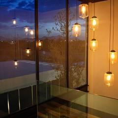 Volumen escalera: Pasillos y recibidores de estilo  por Narda Davila arquitectura