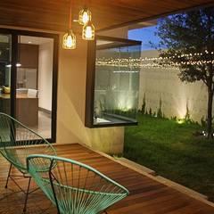 CASA N+E: Terrazas de estilo  por Narda Davila arquitectura