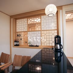 asian Dining room by 한옥공간