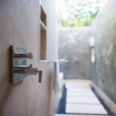 Fotografía de arquitectura - Villa Siriyana, Punta Mita, Nayarit: Baños de estilo  por Arcencielstudio