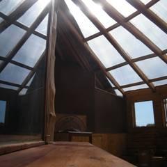 Casa Sol en Rari: Terrazas  de estilo  por Secrea ,