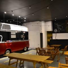 Salón comedor: Gastronomía de estilo  por Isabel Amiano Arquitectura