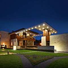 Luxurious Home :  Houses by Ndiweni Architecture
