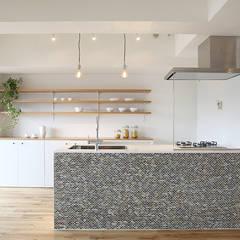 府中町の家Ⅱ: SWITCH&Co.が手掛けたキッチンです。