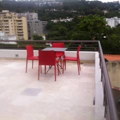 Terraza Cafetal: Terrazas de estilo  por THE muebles,
