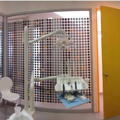 Clínica dental OPH: Clínicas / Consultorios Médicos de estilo  por Cuarta Costa