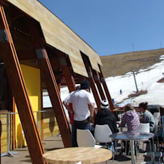 GONDOLA CAFE by Architects Of Justice Modern