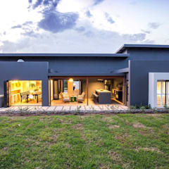 Brooklyn Housing Estate. Umhlali.:  Houses by Sphere Design & Architecture, Modern