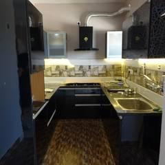 ห้องครัว by Blue Interiors