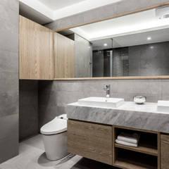 新北 林口 Lin residence (林口 世界首席 / 國家一號院):  浴室 by 双設計建築室內總研所