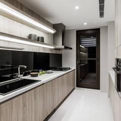 ห้องครัว by 双設計建築室內總研所